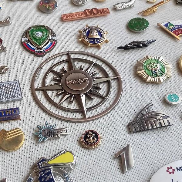 Значки, медали, подвески, бейджи, шильды, запонки, награды из металла под заказ.